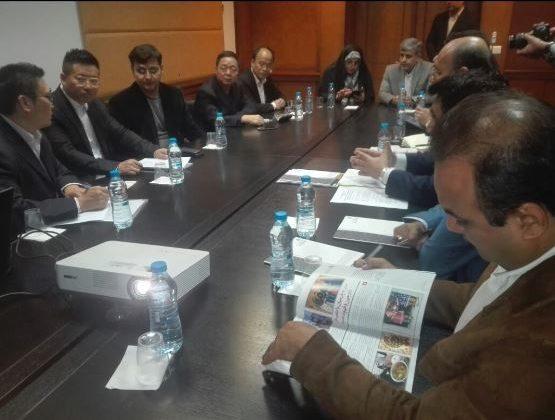 نشست مدیرعامل منطقه ویژه اقتصادی پارسیان با سرمایه گذاران چینی در کیش
