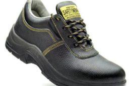 یک کفش ایمنی استاندارد چه ویژگیهایی دارد؟