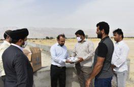 اهدای بسته های تجهیزات بهداشت فردی به روستائیان محروم منطقه غورزه پارسیان