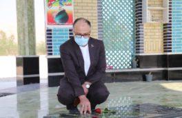 حضور سرپرست منطقه ویژه اقتصادی پارسیان در گلزار شهدا و تجدید میثاق با آرمان های امام